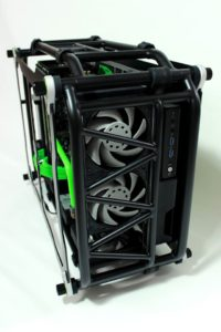 In_Win_Battlebox_Nvidia_Phenom_Design_Macfay_32