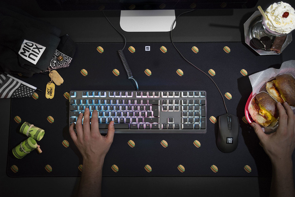 Mionix desk pad black